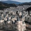 Бурдж Аль Бабас — заброшенный поселок из сказочных дворцов в Турции